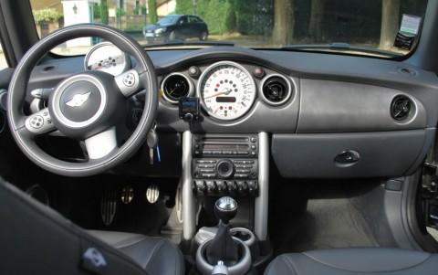 Mini Cooper S Cabriolet 170 cv R52 Chargeur CD dans le coffre