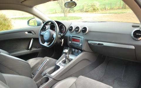 Audi TT 2.0 TFSI 200cv S Line Pack TTS Intérieur cuir Alcantara avec finition en aluminium brossé