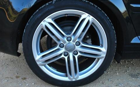 Audi A3 Sportback TDI 140 S-Line Plus Jantes en Aluminium coulé style 5 branches triples, 7.5JX18