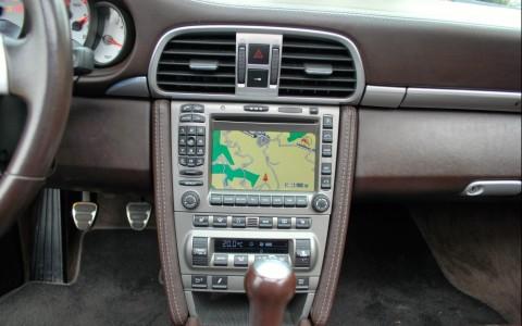 Porsche 997 Carrera S 3.8i 670 : Module de navigation pour PCM II - GPS Europe et lecteur DVD : 1 900 €