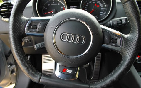 Audi TT 1.8 TFSI 160 S-Line Volant multifonctions