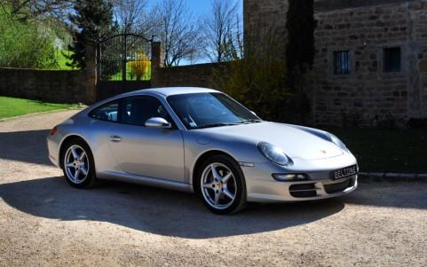 Porsche 997 Carrera 3.6 Vous habitez loin de Lyon ? Nous venons vous chercher à la gare ou à l'aéroport.