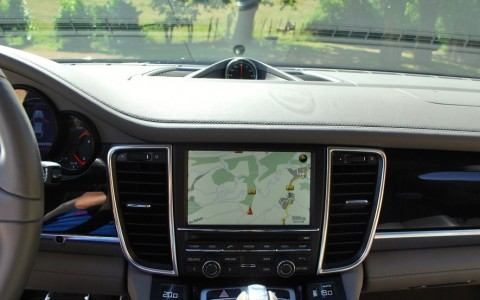 Porsche Panamera 4S PDK P23: Porsche Communication Management (PCM) incluant module de navigation