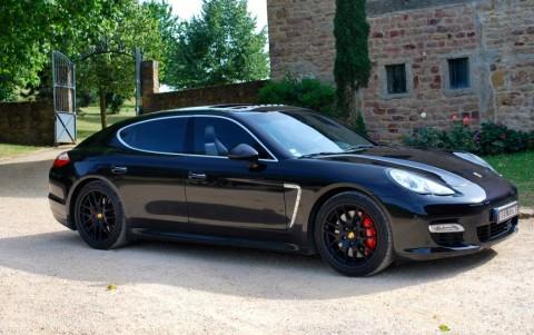 Porsche Panamera Turbo PDK Vous habitez loin de Lyon ? Nous venons vous chercher à la gare ou à l'aéroport