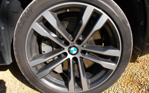 BMW X5 (F85) M50D 381 cv 02V9: Jantes en alliage leger 20