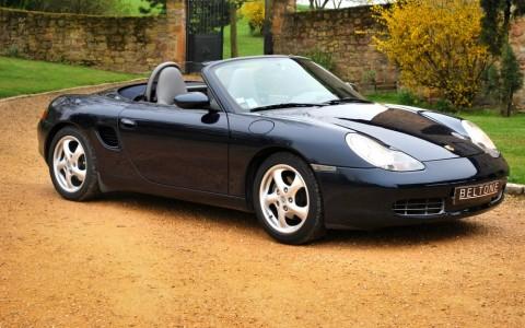 Porsche Boxster 986 2.7 220 cv Vous habitez loin de Lyon ? Nous venons vous chercher à la gare ou à l'aéroport.