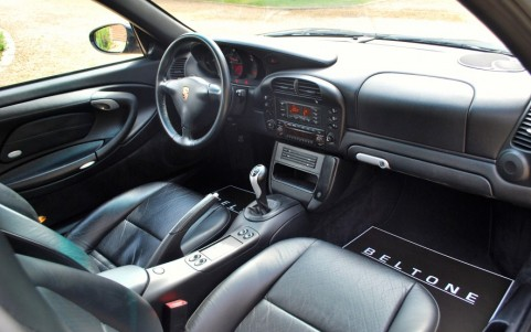 Porsche 996 Carrera 4S 3.6 320 cv Véhicule équipé de l'intérieur tout cuir (ITC)