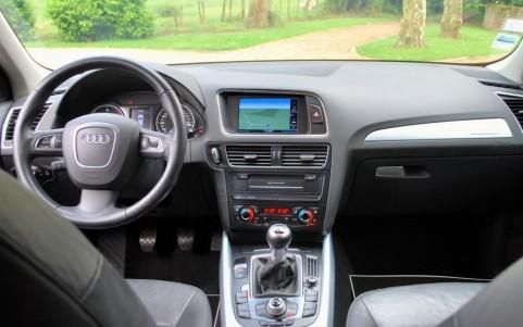 Audi Q5 2.0 TDI 170cv Quattro Volant multifonctions 3 branches.