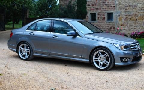 Mercedes C250 Avantgarde 7G-Tronic Vous habitez loin de Lyon ? Nous venons vous chercher à la gare ou à l'aéroport.