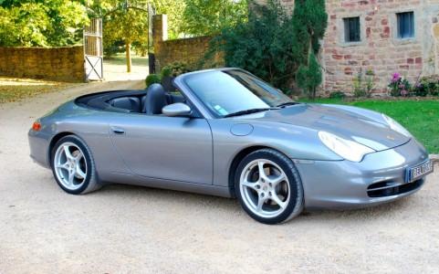 Porsche 996 Carrera Cabriolet 3.6 320 cv Vous habitez loin de Lyon ? Nous venons vous chercher à la gare ou à l'aéroport.