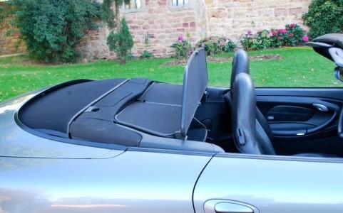 Porsche 996 Carrera Cabriolet 3.6 320 cv 551 - Saute vent