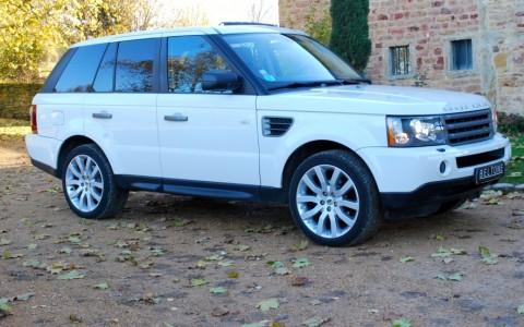Land Rover Range Rover Sport HSE TDV6 Vous habitez loin de Lyon ? Nous venons vous chercher à la gare ou à l'aéroport.