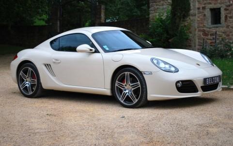 Porsche Cayman S 3.4 320cv PDK Vous habitez loin de Lyon ? Nous venons vous chercher à la gare ou à l'aéroport.