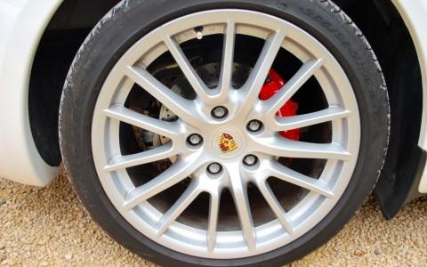 Porsche Boxster S 3.4 310cv PDK 407 : Jantes SportDesign 19 pouces.
