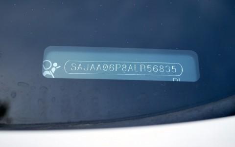 Jaguar XF 5.0 V8 385cv Luxe Premium SAJAA06P8ALR56835