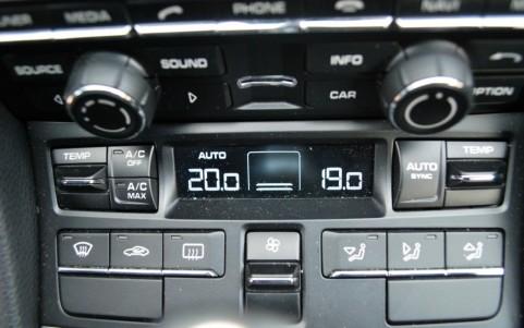 Porsche Cayman S 3.4 325cv PDK 573 : Climatisation automatique bi-zone