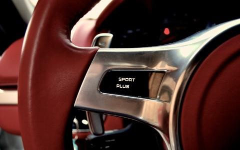 Porsche Boxster S 3.4 315cv PDK 840 : Volant SportDesign en cuir lisse (avec palette de changement de vitesse)