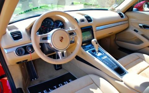 Porsche Cayman 2.7 275cv PDK LA TRACE NOIRE SUR LA CONSOLE CENTRALE À ÉTÉ NETTOYÉE DEPUIS LA PRISE DU CLICHÉ