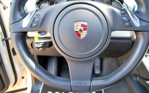 Porsche Cayenne Diesel 3.0 V6 245cv 2ZM : Volant multifonctions 3 branches en cuir