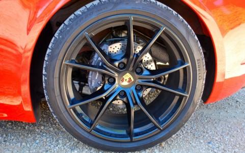 Porsche 718 Boxster PDK Jantes Carrera S 20 pouces peintes en Noir finition satinée