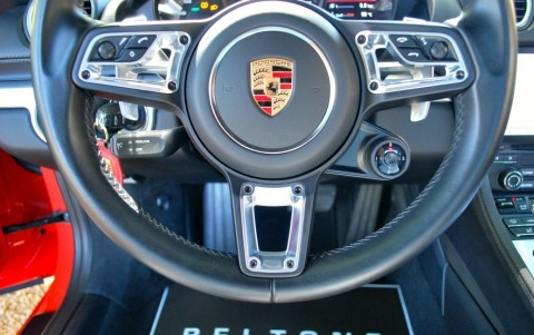 Porsche 718 Boxster PDK 489 : Options multifonction et chauffage du volant