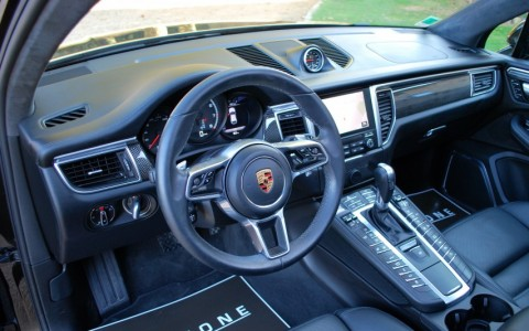 Porsche Macan Turbo Pack Performance 9VJ : Burmester High-End Surround Sound System
