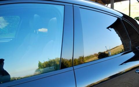 Porsche Macan Turbo Pack Performance VW1 : Vitrage arrière fumé