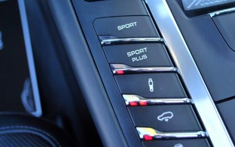 Porsche Macan Turbo Pack Performance