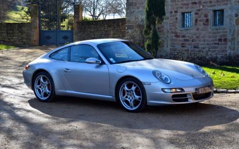 Porsche 997 Carrera S 3.8 355cv Vous habitez loin de Lyon ? Nous venons vous chercher à la gare ou à l'aéroport.