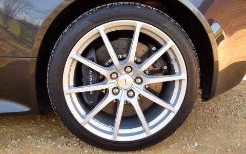 Aston Martin V12 Vantage S coupé  Jantes - Légères 19 pouces couleur Silver
