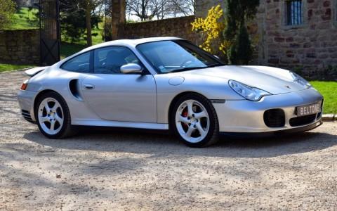 Porsche 996 Turbo 3.6 420cv Vous habitez loin de Lyon ? Nous venons vous chercher à la gare ou à l'aéroport.