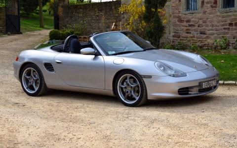Porsche Boxster S 550 Spyder 266cv Vous habitez loin de Lyon ? Nous venons vous chercher à la gare ou à l'aéroport.