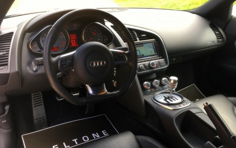 Audi  R8 4.2 FSI Quattro 420cv Volant Sport multi-fonctions en cuir