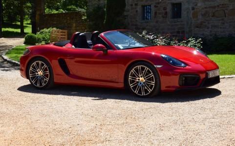 Porsche Boxster GTS PDK Vous habitez loin de Lyon ? Nous venons vous chercher à la gare ou à l'aéroport.