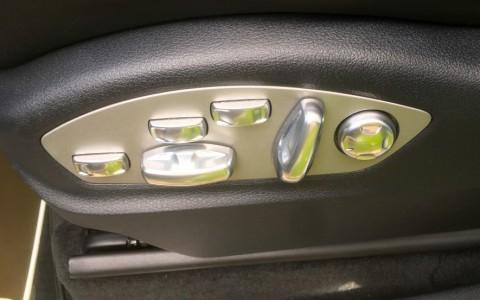 Porsche Cayenne GTS 3.6 440cv PE6 : Sièges sport adaptatifs avec appuie-tête intégrés et Pack Mémoire