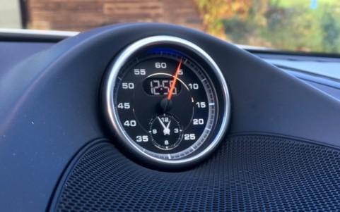 Porsche Cayenne GTS 3.6 440cv QR5 : Pack Sport Chrono avec bouton Sport Plus sur la console centrale