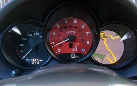 Porsche Cayman GTS PDK Fond de compte-tours Rouge Carmin (Pack intérieur GTS).